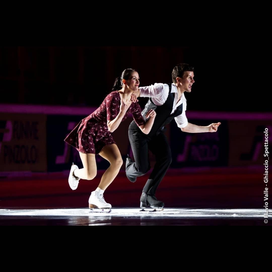 Ледовые шоу-5 - Страница 38 AuyBe