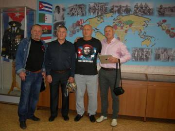 http://sh.uploads.ru/t/idHSX.jpg